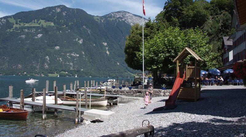 Ausflug mit dem Boot ins Restaurant Schwybogen